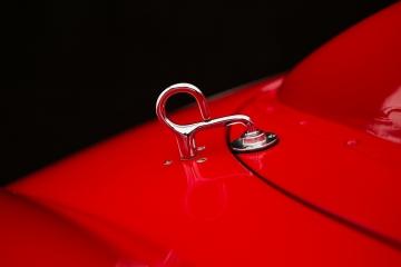 Detail-Ferrari-Testa-Rossa-3