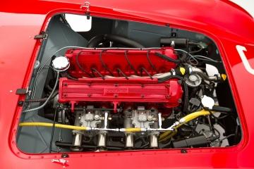 Detail-Ferrari-Testa-Rossa-6